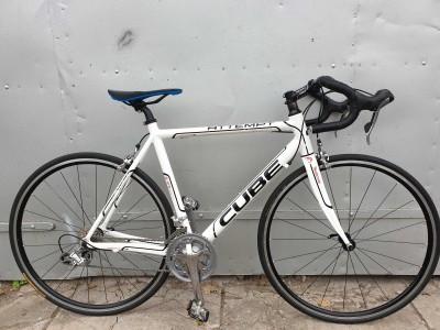 Шоссейный велосипед Cube Attempt вес 9кг